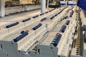 Circuit Breaker: Working Principle, Types and Safety Tips